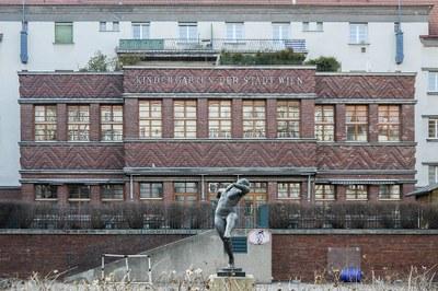 Kindergarten im Rabenhof (1925-1929), einem der größten und sehenswertesten Höfe des Roten Wiens