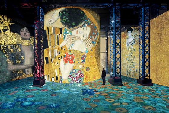 Le Baiser de Klimt projeté à l'Atelier des Lumières
