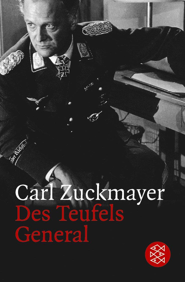 Photo en noir et blanc d'un général assis, au visage inquiet. Photo issue du film Des Teufels General avec Curd Jürgens dans le rôle du général Harras