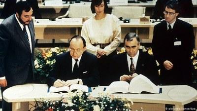 Unterzeichnung Maastricht Vertrag