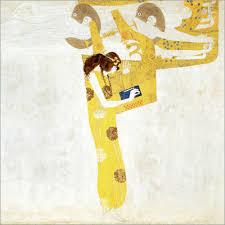Une femme est penchée sur sa harpe gigantesque. Elle est de profil, brue. Elle est toute habillée d'or sur un fond blanc.
