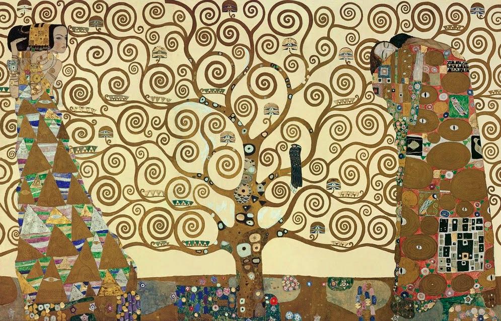 Das Bild besteht aus goldenen und bunten Motiven auf einem beigen Hintergrund. In der Mitte steht ein Baum, der ganz aus Spiralen besteht. auf einem Ast sitzt ein schwarzer Vogel. Links steht eine Frau im Gewand, sie starrt nach rechts. Rechts umarmen sich ein Mann und eine Frau. Man sieht nur das Gesicht der Frau.