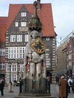 VIGNETTE-statue-de-Roland.jpg