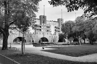 Der Karl-Marx-Hof (1926-1930): Die längste geschlossene Wohnhausanlage der Welt und Ausdruck des Selbstvertrauens der Sozialdemokraten in der Zwischenkriegszeit