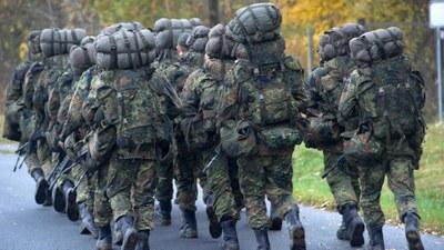 17. Juni 2021 - Neuer Skandal für die Bundeswehr : Vorwürfe sexueller Nötigung und Rechtsextremismus in einer Bundeswehreinheit in Litauen
