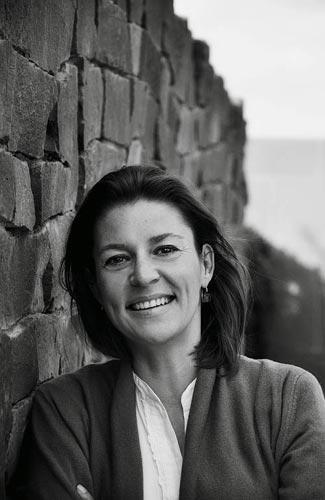 Portrait en noir et blanc de l'auteure Husch Josten