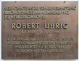 plaque commémorative en l'honneur du résistant communiste au nazisme Robert Uhrig