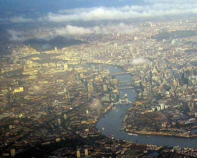 London Aerial View Close Up, by Bobcatnorht (flickr)